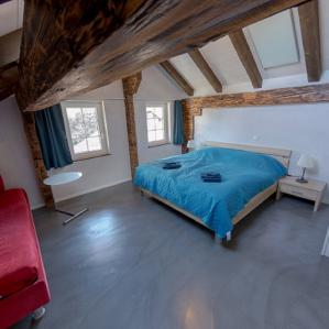 3. bedroom with doublebed and singlebed